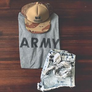 v t g | Gray long sleeve ARMY logo shirt